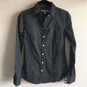 BR No-Iron Fitted Button Up 🖤